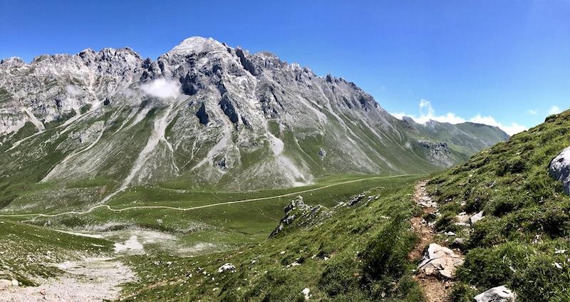 Ascensión al Escamellau y lago Moñetas (Picos de Europa)